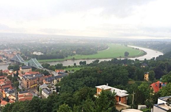Der Elbebogen bei Regen einen Tag später.